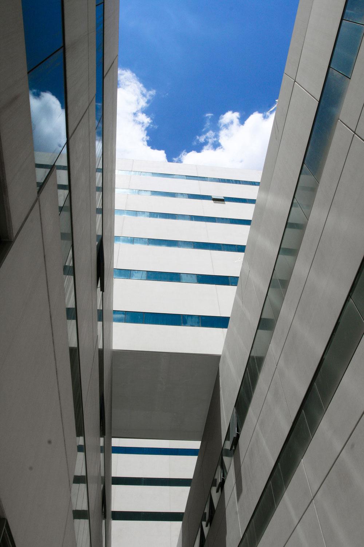 http://www.architecturelist.com/wp-content/uploads/2011/03/La-Fe-02.jpg