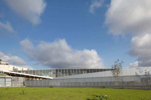 School complex at Le Bourget / by HUBERT & ROY ARCHITECTES ET ASSOCIÉS