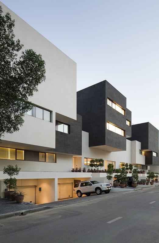 Black and White Houses Kuwait City by AGI Architects