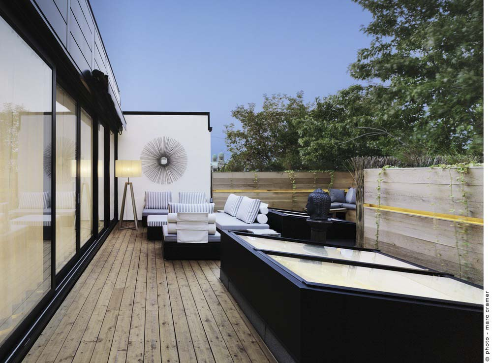 White Canvas On A Green Roof / by Martine Brisson